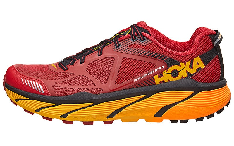 The Clifton 3 is the third model of the popular Clifton model by Hoka One One. The original Clifton was a shoe that promised soft cushioning while maintaining an ultra lightweight.. In its first version it delivered on this promise and impressed myself and many others.